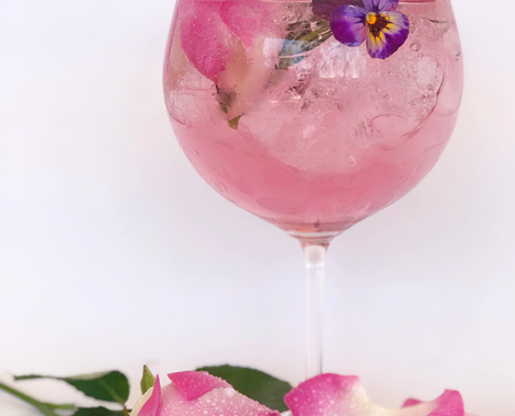 Ginnic Rose Glass